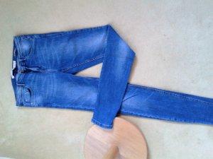 Neue zara Jeans, mittelblau