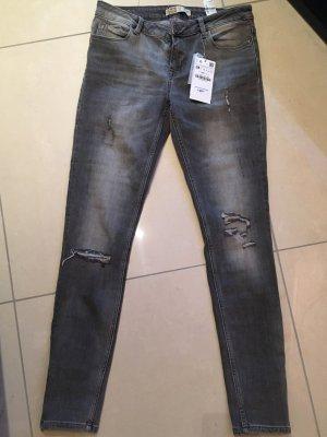 NEUE Zara ripped Jeans grau Größe 38