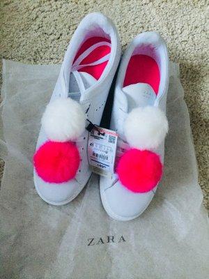 Neue Zara Sneakers mit Bommel