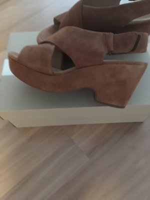 Clarks Platform High-Heeled Sandal cognac-coloured