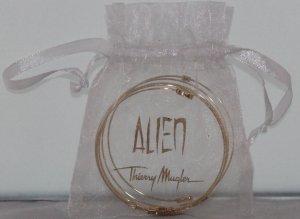 """Neuer, goldener """"Alien""""-Armreif Thierry Mugler"""