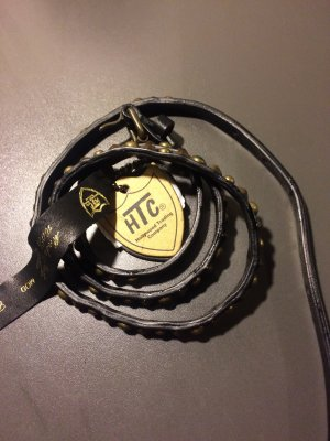 Neuer Gürtel mit Nieten von HTC, Länge 95. Neupreis 159 Euro