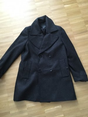 Neuer Mantel in dunkelgrau von Mango Suit