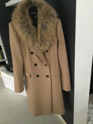 Neuer mit Etikett Superschöner camelfarbener Mantel mit echtem abnehmbaren Fuchskragen in S bitte beachten bin vom 25.11.-2.12 im Urlaub