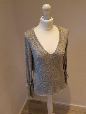 Neuer Pullover mit V Ausschnitt
