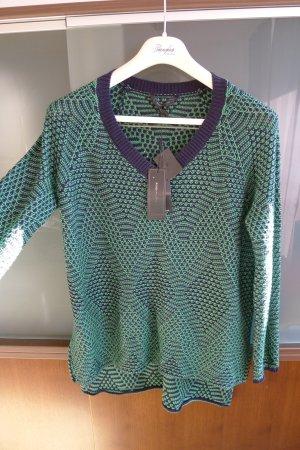 Neuer Pullover von BZBGmaxazria