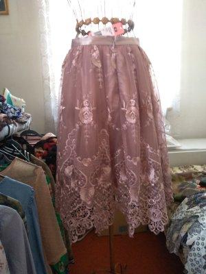 Chi Chi London Lace Skirt dusky pink
