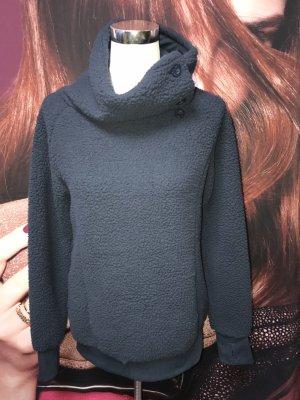 Neuer Sweater