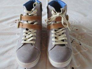 Neuer Timberland Sneaker high  / Neupreis 189 EUR