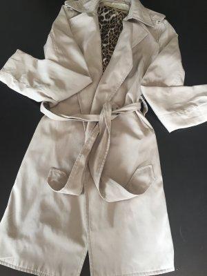 Neuer ungetragender Trenchcoat von Zara, Leo Optik Innenfutter, Größe S