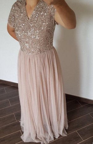 Neues Abendkleid in Rose