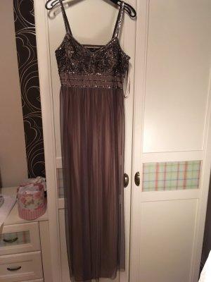 Neues Abendkleid von Young Couture Barbara Schwarzer