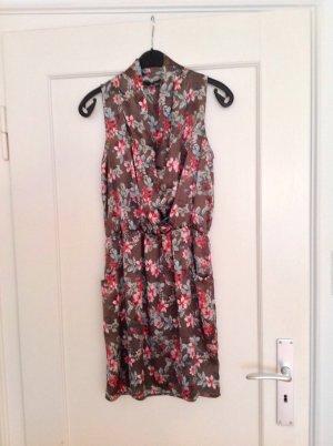 Neues Benetton Kleid florales Muster Größe S (Seidenoptik)