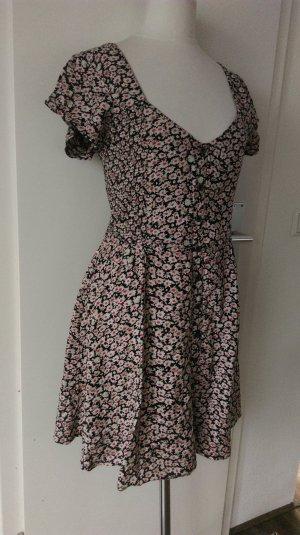 neues Blümchenkleid von Urban Outfitters 36/38