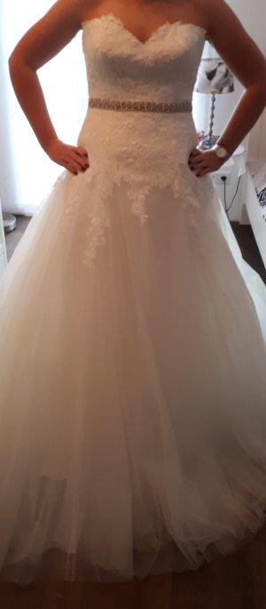 Neues Brautkleid Gr.40 von Pronovias Barcelona