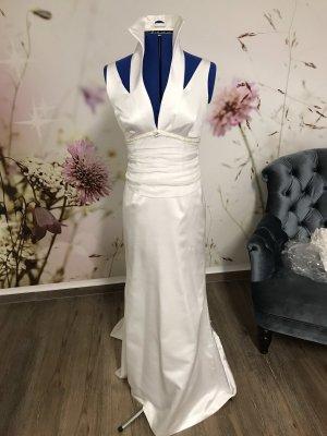 Neues Brautkleid mit Stehkragen