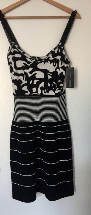 Neues elegantes Wollkleid in A-Linie von Marc-Cain