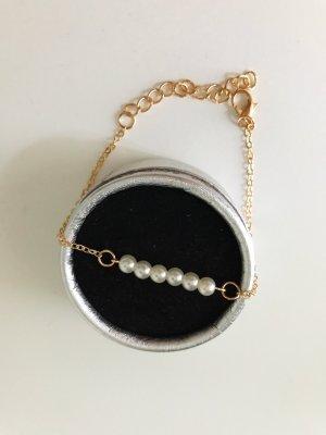 neues feines Armband mit künstlichen Perlen