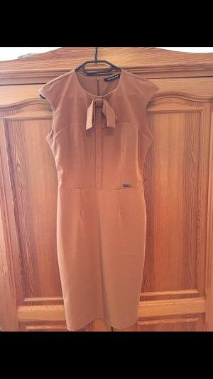 Neues Fornarina Etui-Kleid, Größe XS