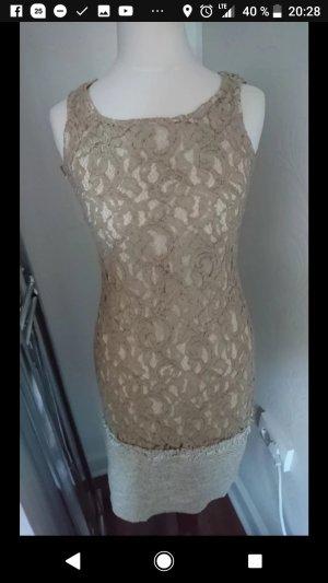 Neues Goldenes Kleid mit Spitzenmuster
