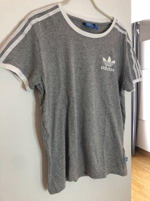 Neues graues Shirt von Adidas Originals