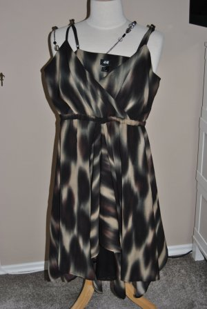 Neues H&M Kleid Gr. M  Kleid Gr. 38