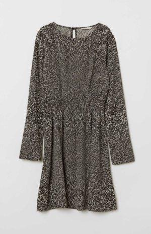 Neues H&M-Kleid schwarz-gemustert