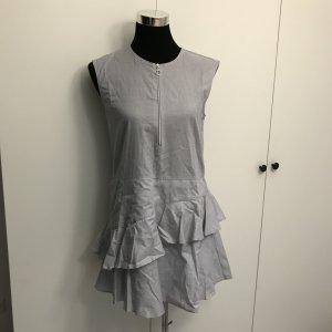 Neues hellblaues Kleid