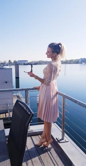 Zara Vestido de encaje crema-beige