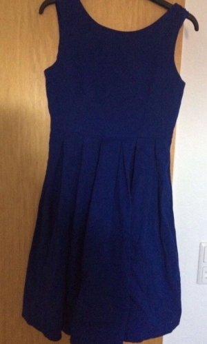 Neues Kleid dunkelblau Gr. M