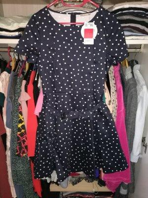 Neues Kleid Gr 40