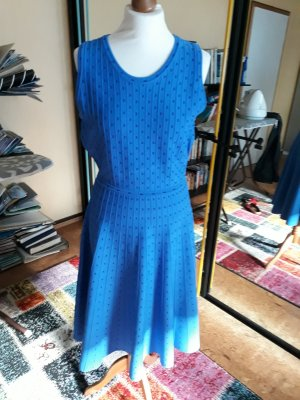 Neues Kleid Gr. 40 in blau