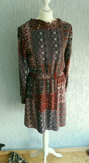 neues Kleid, Größe M