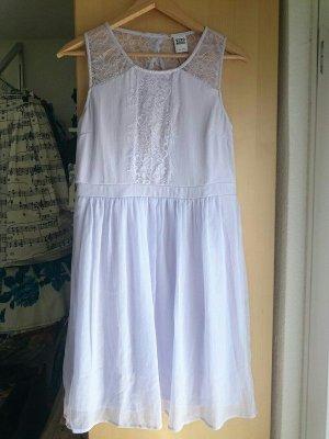 Neues Kleid in Flieder mit Spitze von vero moda