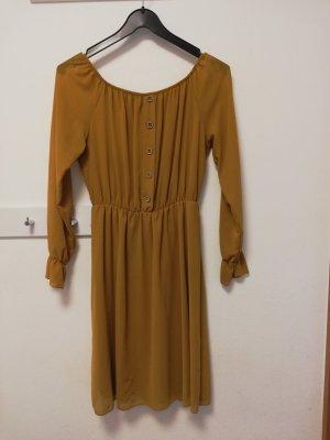Neues Kleid in Gr. 40 (M)