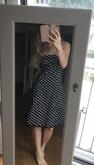 Neues Kleid in Größe 34, mit Etikett!