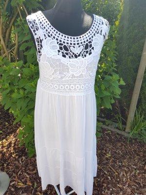 Neues Kleid in weiß mit Spitze