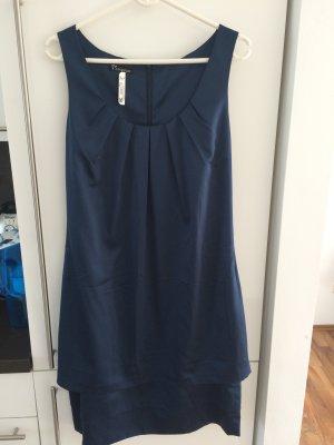 Neues Kleid mit Etikett gebraucht kaufen  Wird an jeden Ort in Österreich