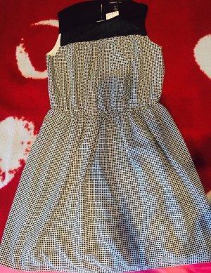 Neues Kleid mit Etikett!!!