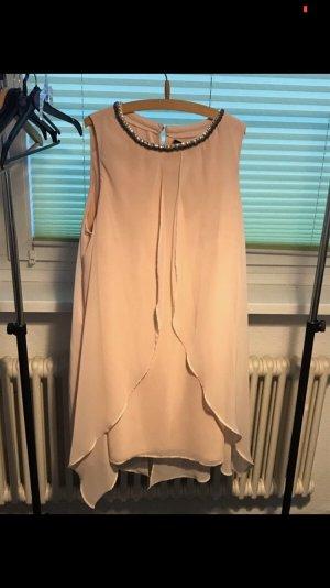 Neues Kleid mit Etikett im Lagenlook