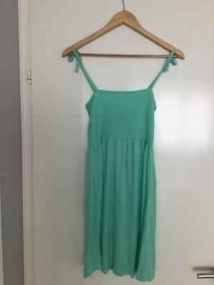 Neues Kleid mit Etikett in türkis Größe S