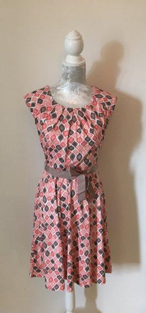 neues Kleid mit Etikett von Taifun