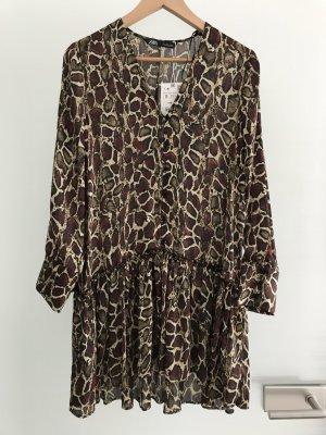 Neues Kleid mit Snakeprint