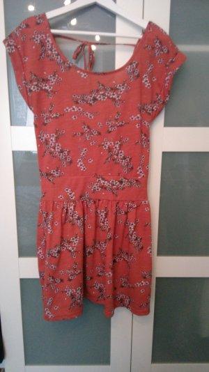 Neues Kleid rostrot von Review