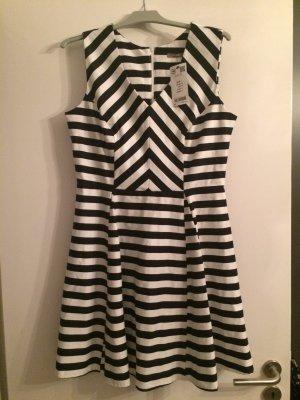 Neues Kleid schwarz-weiß gestreift Größe 42