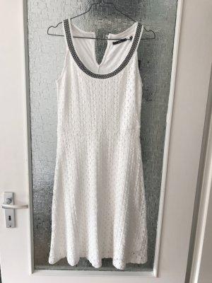 Neues Kleid Stoffkleid Zero