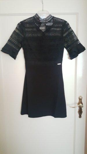 Neues Kleid von Guess