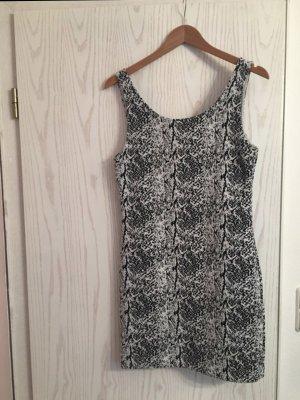 neues Kleid von H&M mit grau-weißen Muster