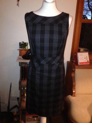 Neues Kleid von S. Oliver