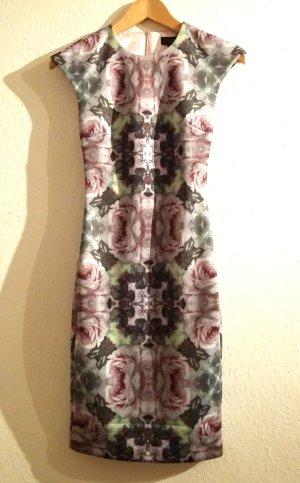 Neues Kleid von Ted Baker
